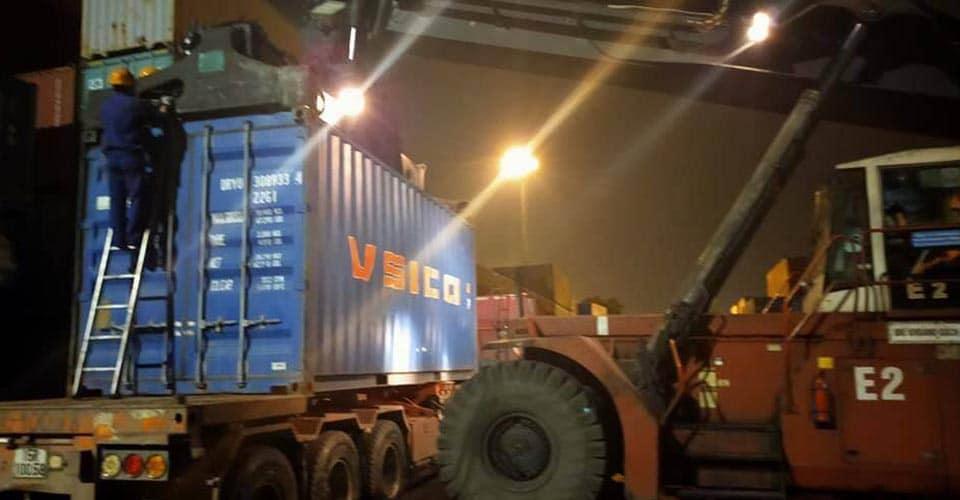 dịch vụ khai hải quan hà nam - hàng xuất tại cảng kéo cont về  hà nam đóng hàng