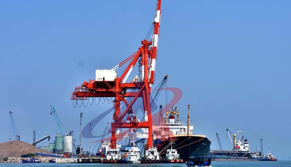 vận chuyển đường biển đi cảng quy nhơn - cẩu bờ mới tại cảng quy nhơn